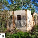 Restos de uma escola, ao lado da antiga estação já demolida.