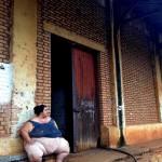 Moradora do Armazém ao lado da antiga estação.